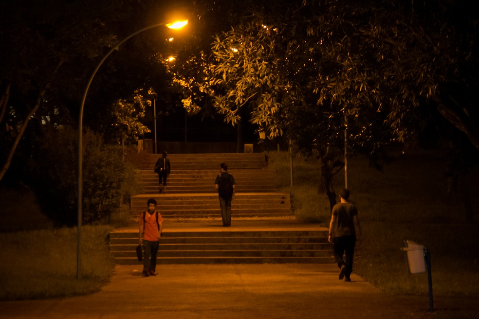 Campus Darcy Ribeiro, da Universidade de Brasília, à noite (Foto: UnB Agência/Divulgação)