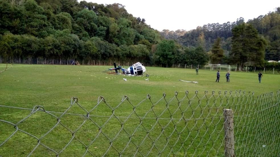 Helicóptero cai em Domingos Martins (Foto: Vagner Uliana e Wilker Uliana/ Polícia Militar)