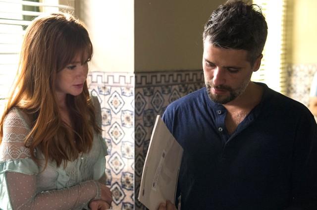 Marina Ruy Barbosa e Bruno Gagliasso numa cena de 'O Sétimo Guardião' (Foto: TV Globo)