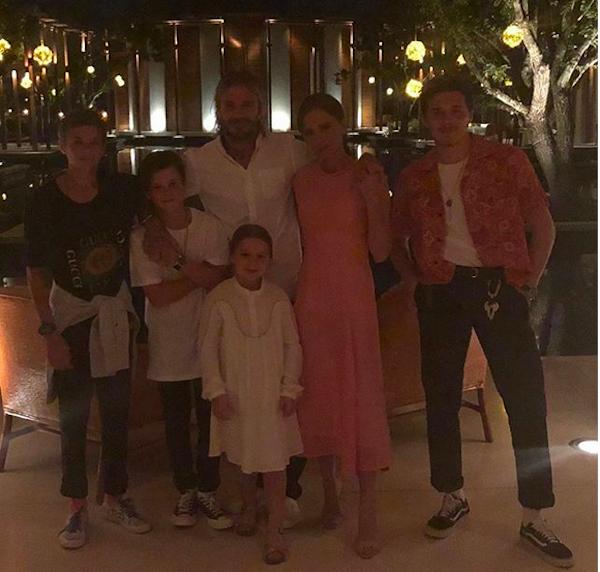 David Beckham e Victoria Beckham com os filhos (Foto: Instagram)