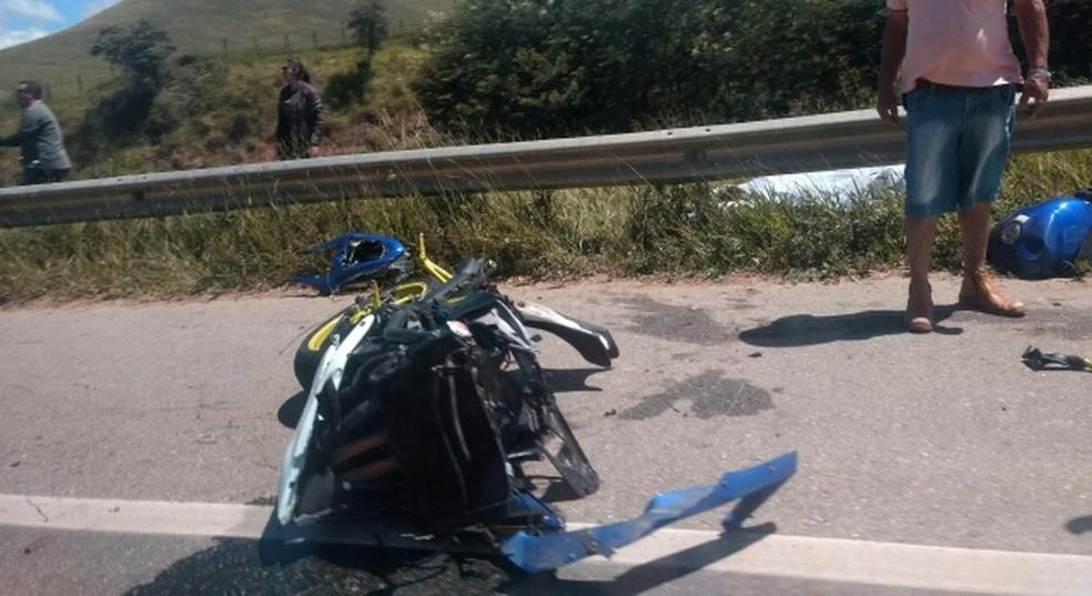 Acidente aconteceu na tarde deste domingo em São Bento do Sapucaí (Foto:  Evaldo Castro Rosa/Vanguarda Repórter)