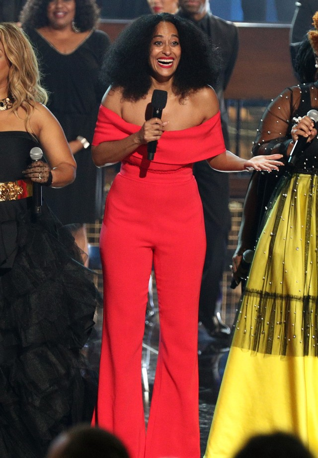 Tracee Ellis Ross veste Cushnie no AMA Awards (Foto: Getty Images)