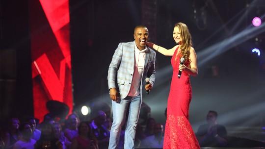 Bella Schneider rouba a cena em apresentação na Final do 'The Voice'