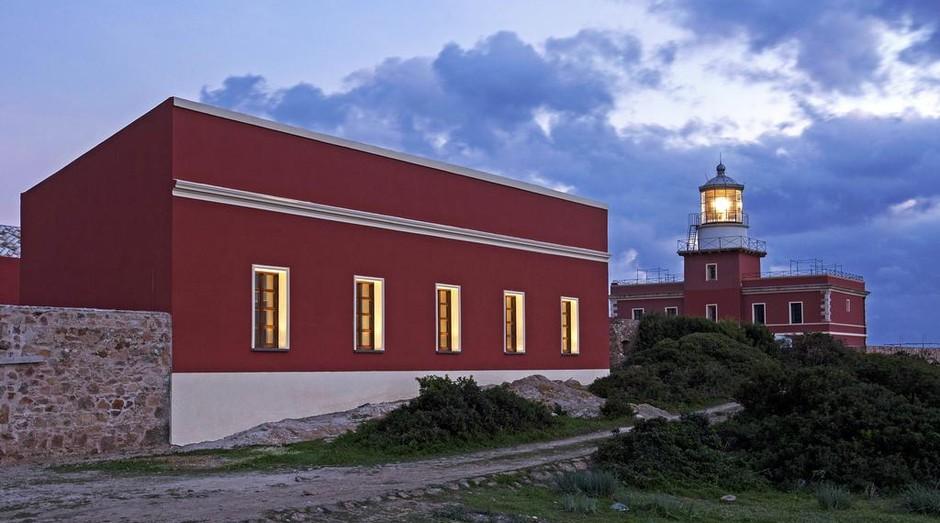Faro Capo Spartivento (Foto: Reprodução: Booking)