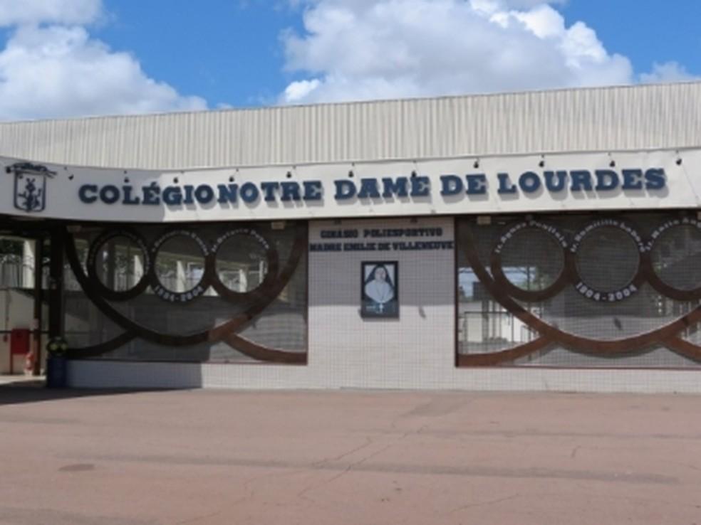 Colégio Notre Dame de Lourdes afastou professora por fazer comentários de caráter político-partidário em sala de aula — Foto: Sinepe-MT/Divulgação