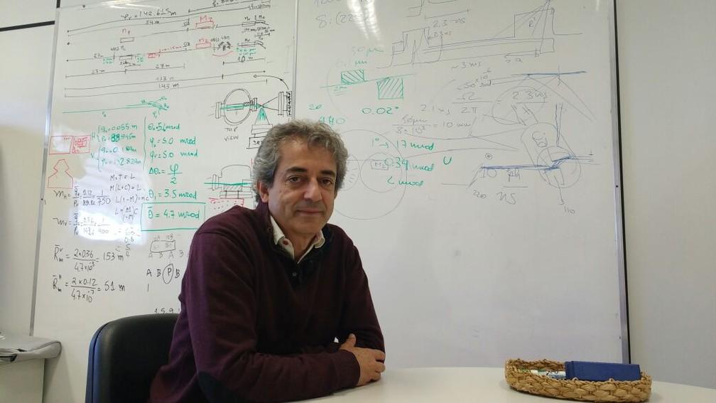 Hélio Tolentino fez parte do primeiro grupo que foi aos EUA aprender como desenvolver o síncrotron (Foto: Marcelo Andriotti/G1 Campinas)