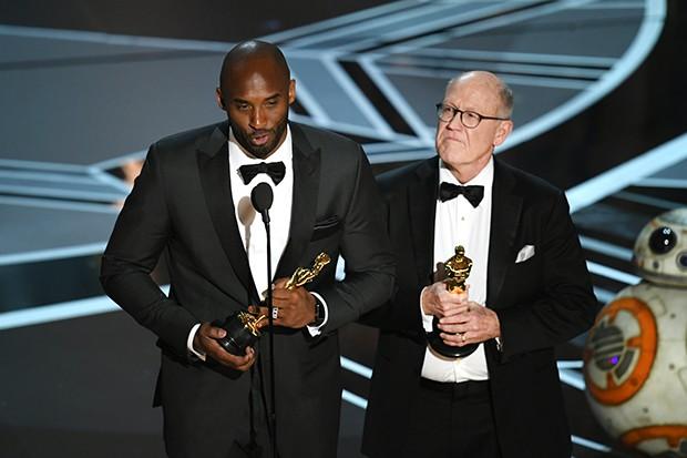 Kobe Bryant e Glen Keane  (Foto: Getty Images)