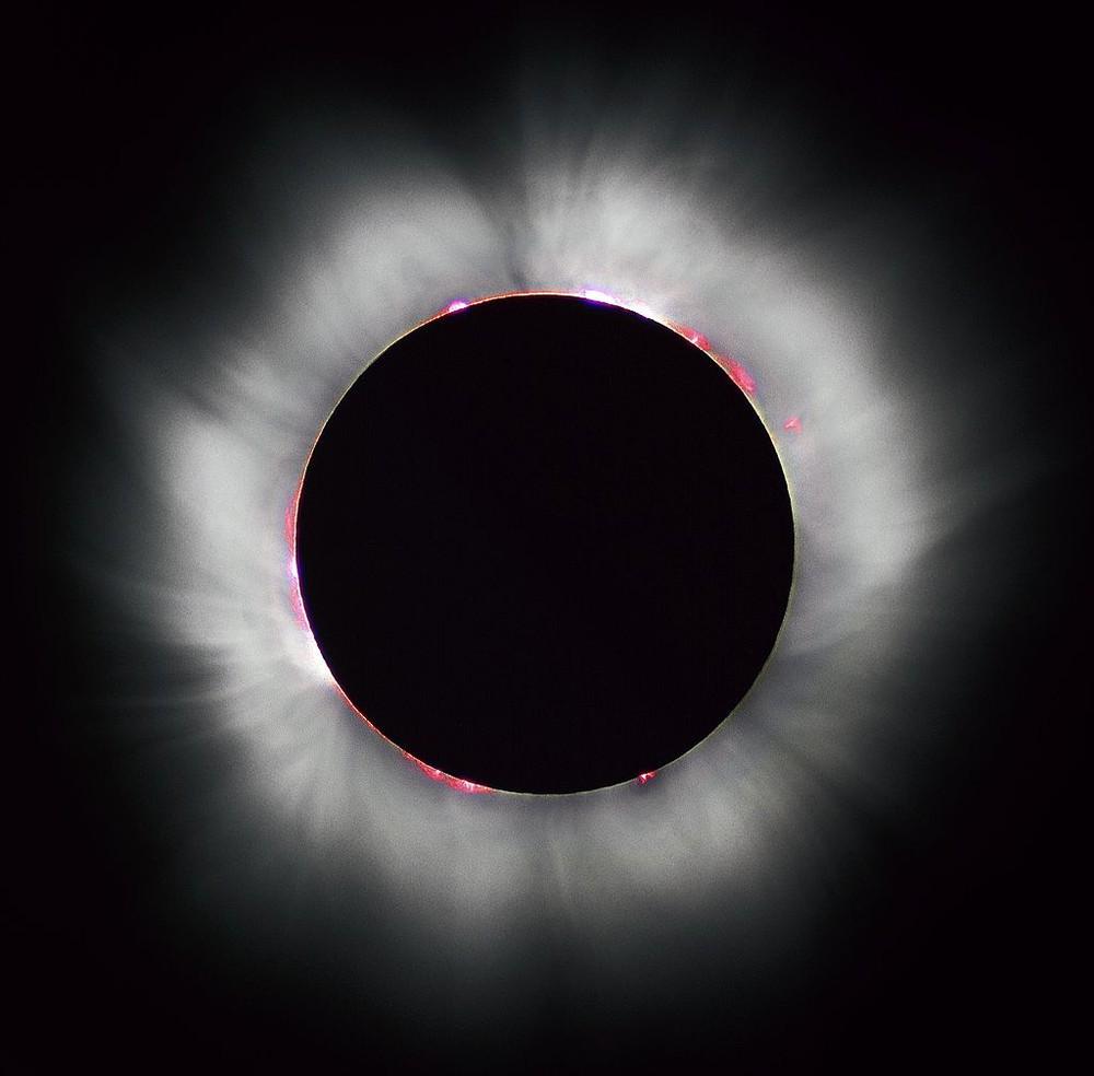 Imagem do eclipse solar total em 1999 (Foto: Wikimedia Commons)
