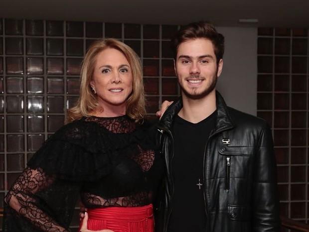 Hortência e o filho caçula, Antônio Oliva (Foto: Reprodução/Instagram)