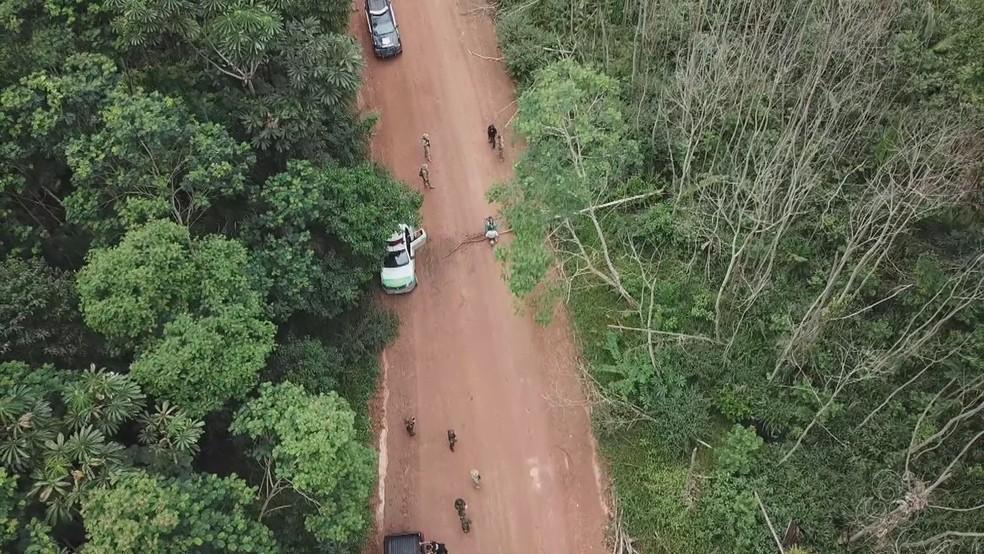 Emboscada contra policiais em operação para combater invasões de terra em Rondônia — Foto: Rede Amazônica/Reprodução
