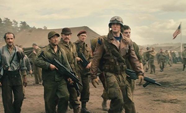 O ato Neal McDonough em cena de Capitão América (2011) (Foto: Reprodução)
