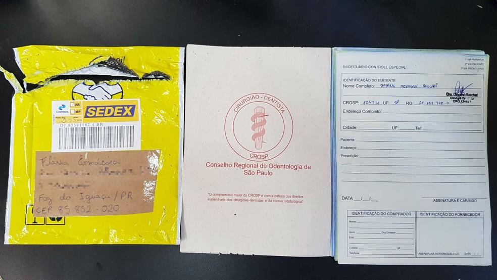 Receitas em branco, mas assinada por dentista eram endereçadas à casal no Paraná �- Foto: Divulgação/Polícia Civil