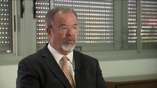 Ministro diz que Exército pode fazer varreduras em presídios do RJ