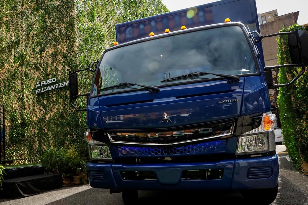 Resultado de imagem para Daimler entrega o primeiro caminhão elétrico e declara que 'o jogo começou'