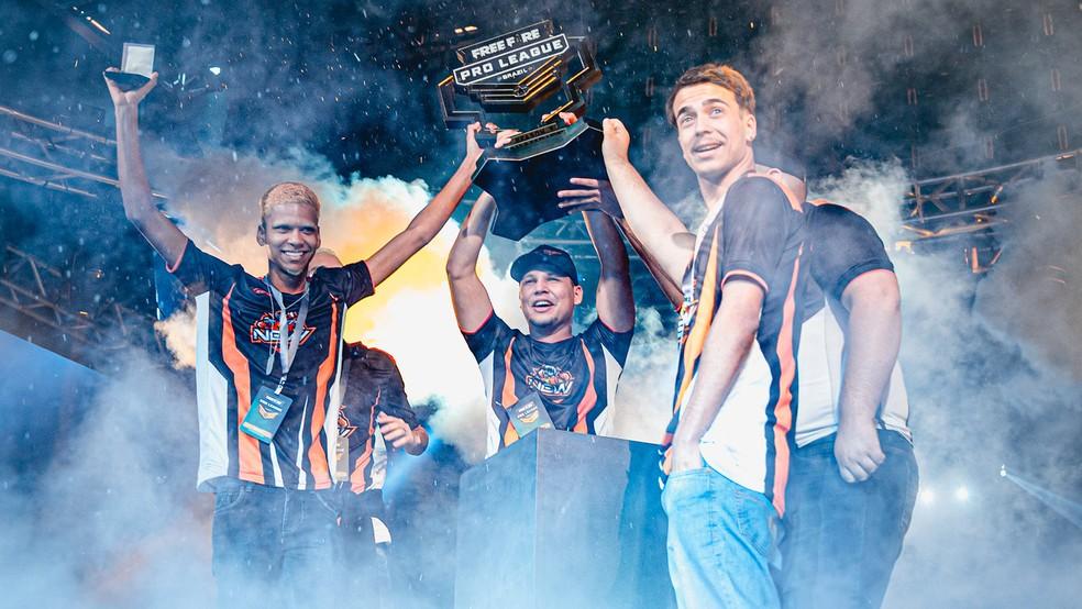 New X, agora paiN Gaming, é a atual campeã da Free Fire Pro League — Foto: Divulgação/Free Fire Pro League