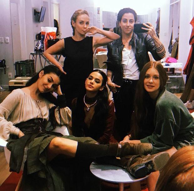 Marina Moschen, Fernanda Nobre, Isabela Bertazzi, Bruna Marquezine e Marina Ruy Barbosa   (Foto: Reprodução)