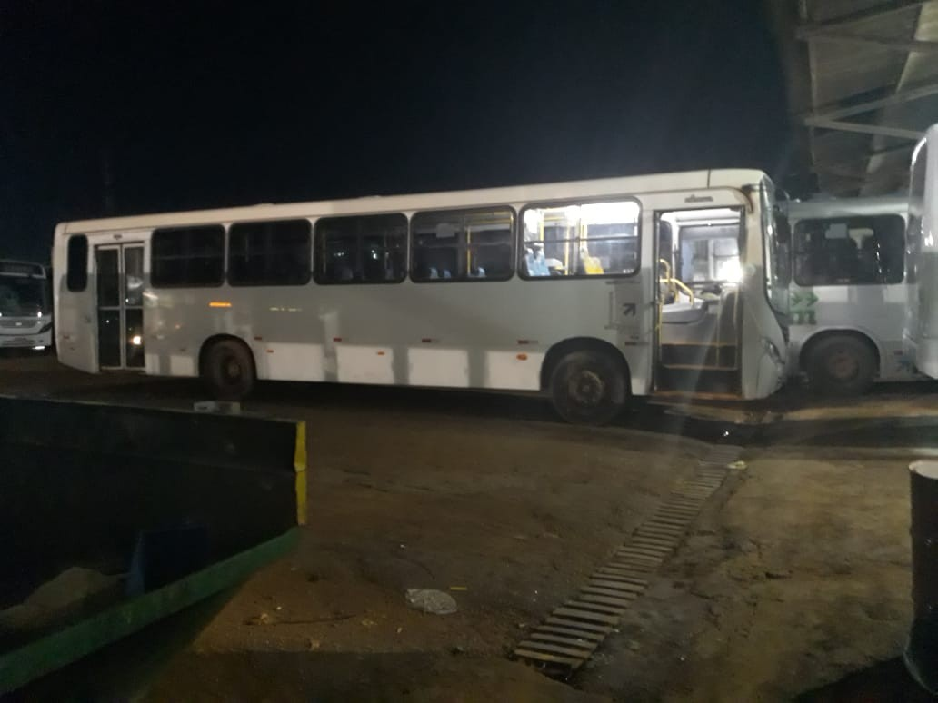 Motoristas tentam descaracterizar e levar ônibus coletivos de Porto Velho para Amapá, diz sindicato