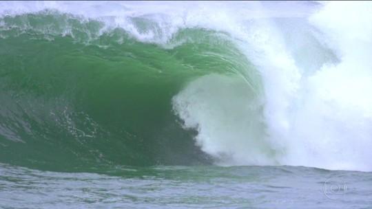 Bem-vindos ao Shock: big riders apresentam onda assustadora em Niterói