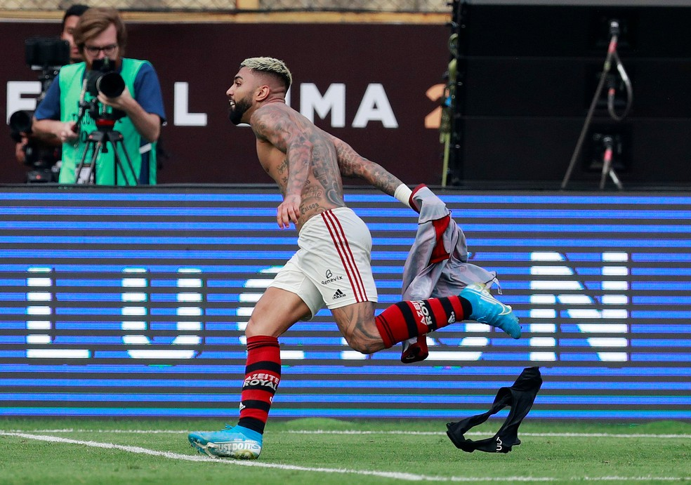 Gabigol comemora o gol do título nos acréscimos — Foto: Henry Romero/Reuters