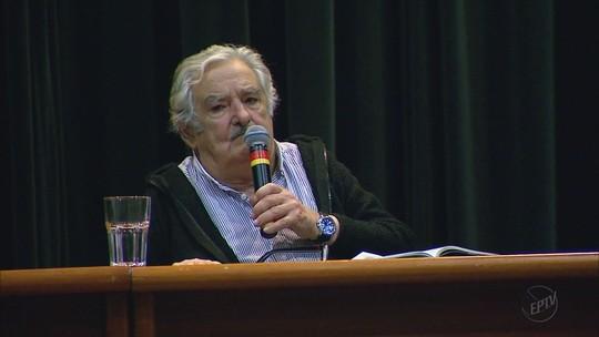 'Governos passam', diz Mujica em SP ao criticar ditadura na América do Sul