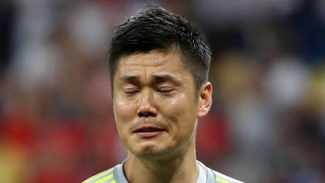 Goleiro do Japão chora após derrota para a Bélgica