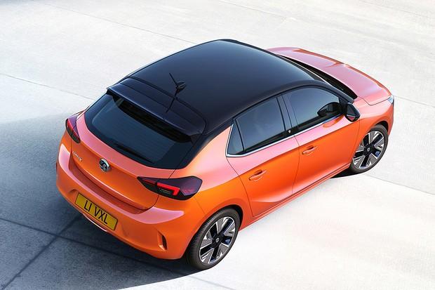 Detalhe do teto do Opel Corsa-e 2020 (Foto: Divulgação)