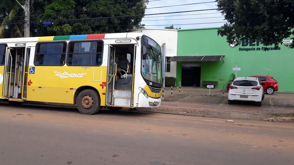 Assalto ocorreu nesta quarta-feira (1) em Rio Branco — Foto: Iryá Rodrigues/G1