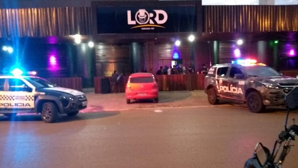 Polícia fechou baile funk em Sorriso e prendeu MC do Rio de Janeiro — Foto: Polícia Civil de Sorriso/Divulgação