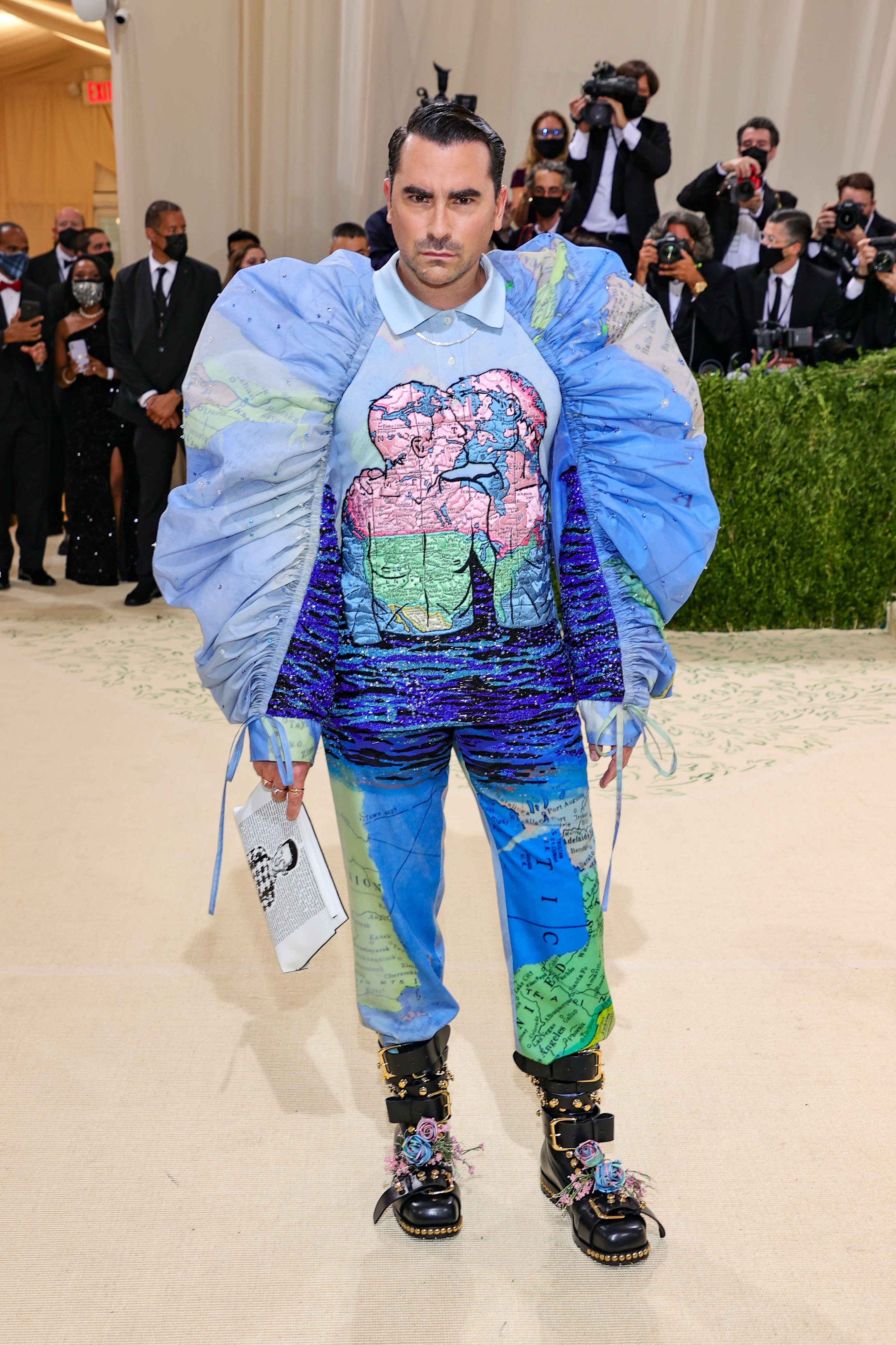 NEW YORK, NEW YORK - SEPTEMBER 13: Dan Levy attends The 2021 Met Gala Celebrating In America: A Lexicon Of Fashion at Metropolitan Museum of Art on September 13, 2021 in New York City. (Photo by Theo Wargo/Getty Images) (Foto: Getty Images)