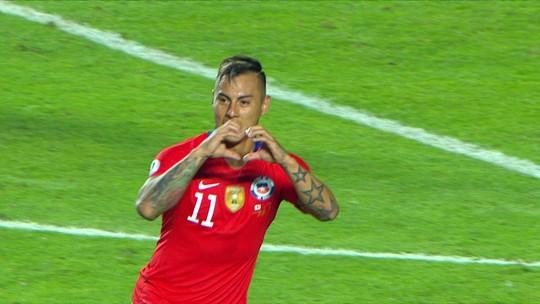Ex-Grêmio, Vargas chuta de primeira e amplia para o Chile