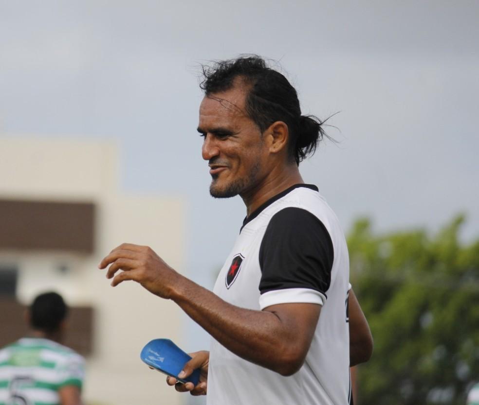 Enercino marcou três gols nos amistosos de pré-temporada — Foto: Nádya Araújo / Botafogo-PB