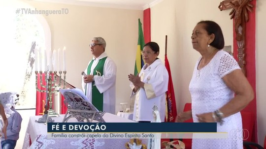 Devota de 84 anos constrói capela ao lado de casa em homenagem ao Divino Espírito Santo