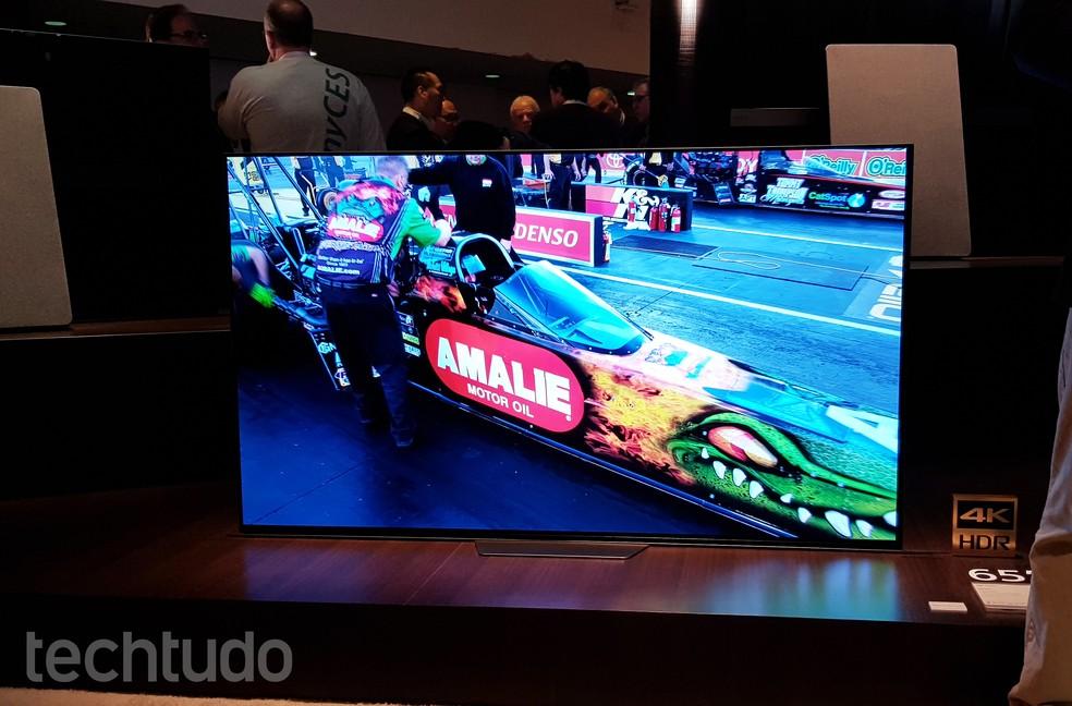 Projetor LSPX-A1 decorativo e smart TVs 4K HDR são destaques da Sony (Foto: Thássius Veloso/TechTudo)