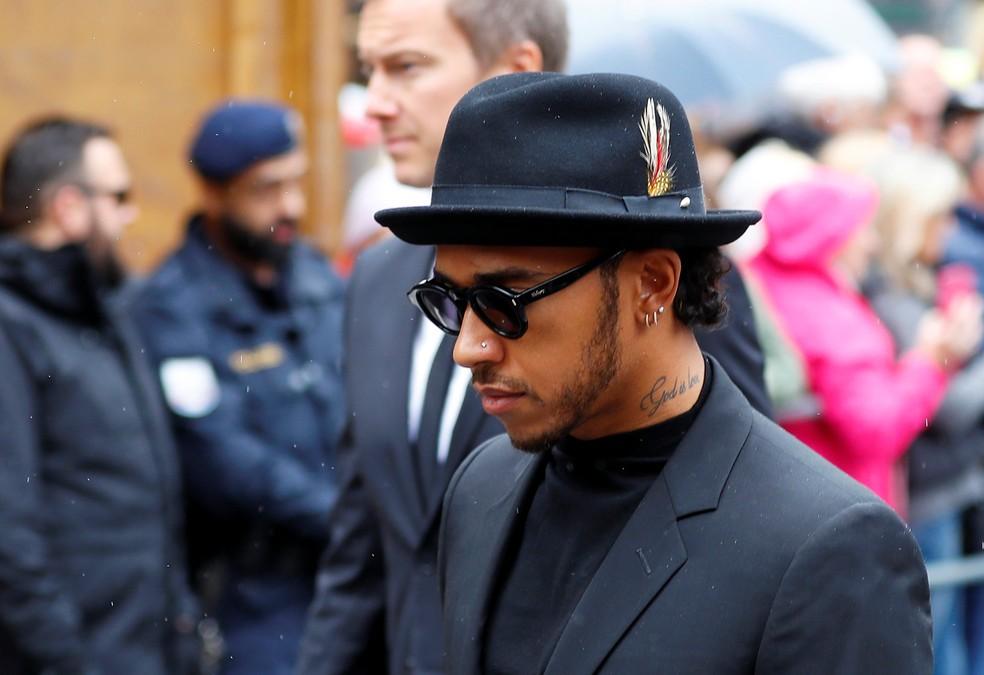 Lewis Hamilton compareceu ao funeral de Niki Lauda — Foto: Reuters
