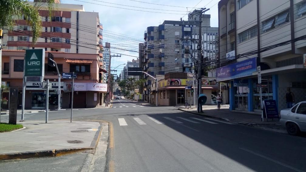 CRICIÚMA - Ruas centrais da principal cidade do Sul de Santa Catarina vazia na manhã desta quinta-feira (26) por causa da quarentena contra o coronavírus  — Foto: Renata Rocha/NSC TV