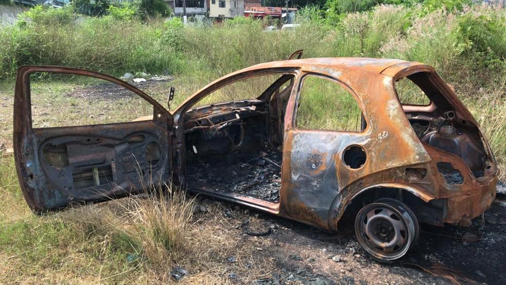 Carro de suspeito de ataque a transexual é encontrado queimado pela polícia — Foto: Divulgação