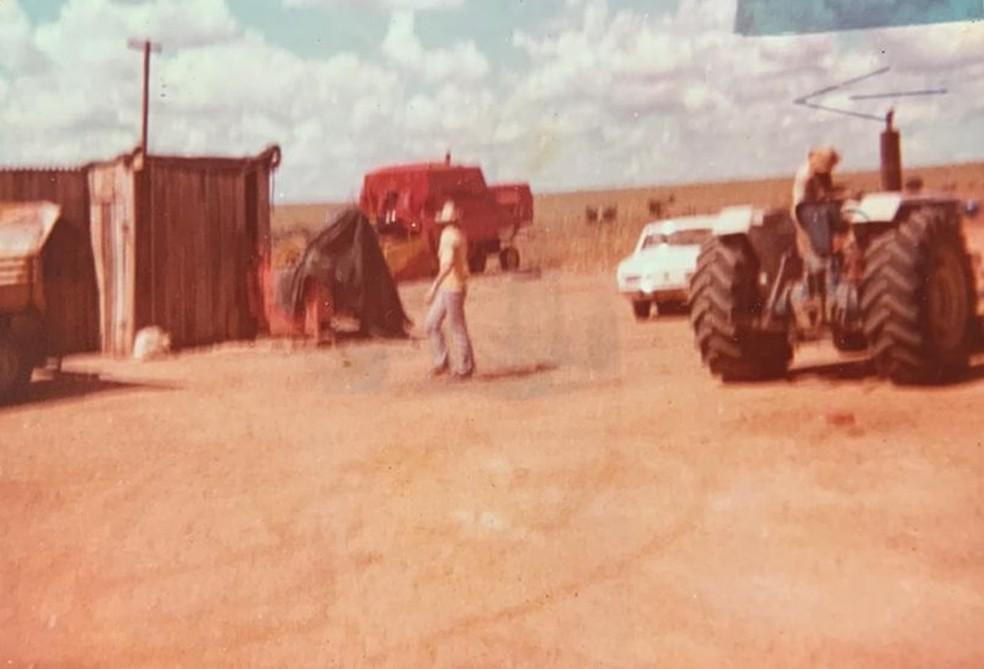 Primeiras instalações da fazenda da família de Rogério, na década de 1980 — Foto: Rogério Vian/Arquivo pessoal