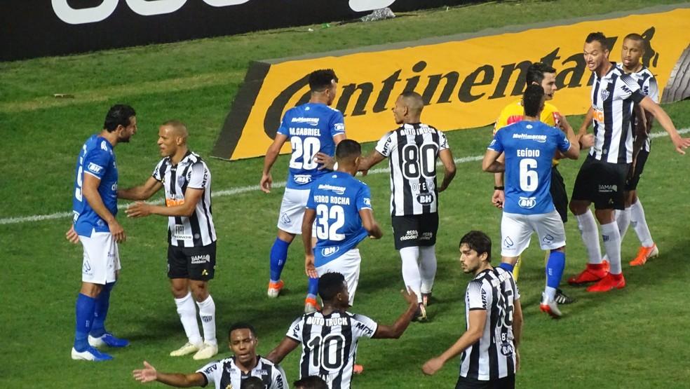 Atlético-MG venceu o cruzeiro por 2 a 0, mas time celeste se clasificou para a semifinal da Copa do Brasil — Foto: Guliherme Frossard/Globoesporte.com