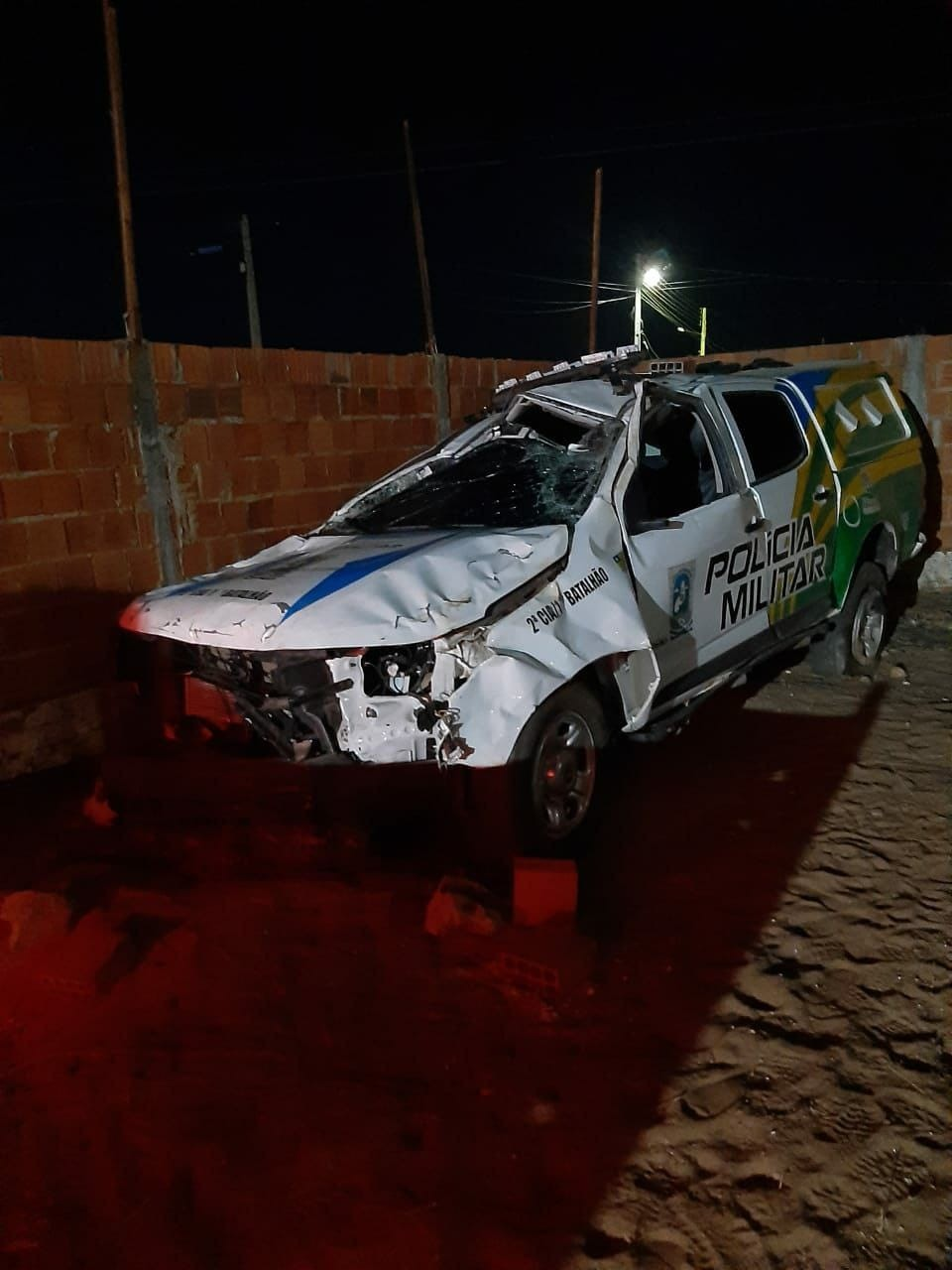Vaquinha tenta arrecadar R$ 210 mil para soldado suspeito de destruir viatura em acidente depois de ir a festa com mulheres