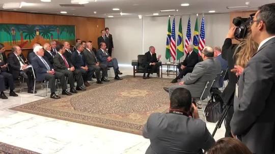 Vice de Trump diz a Temer que EUA estão 'firmemente' ao lado do Brasil nos esforços para 'restaurar a democracia' na Venezuela