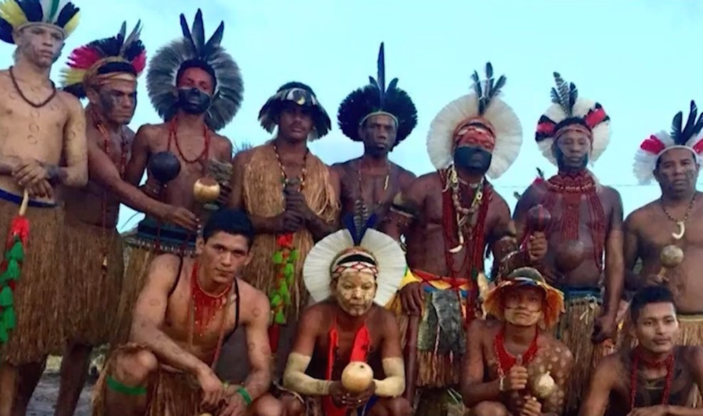 Fazenda foi ocupada por cerca de 30 índios das etnias Kamakãs e Imborés — Foto: Reprodução/TV Sudoeste