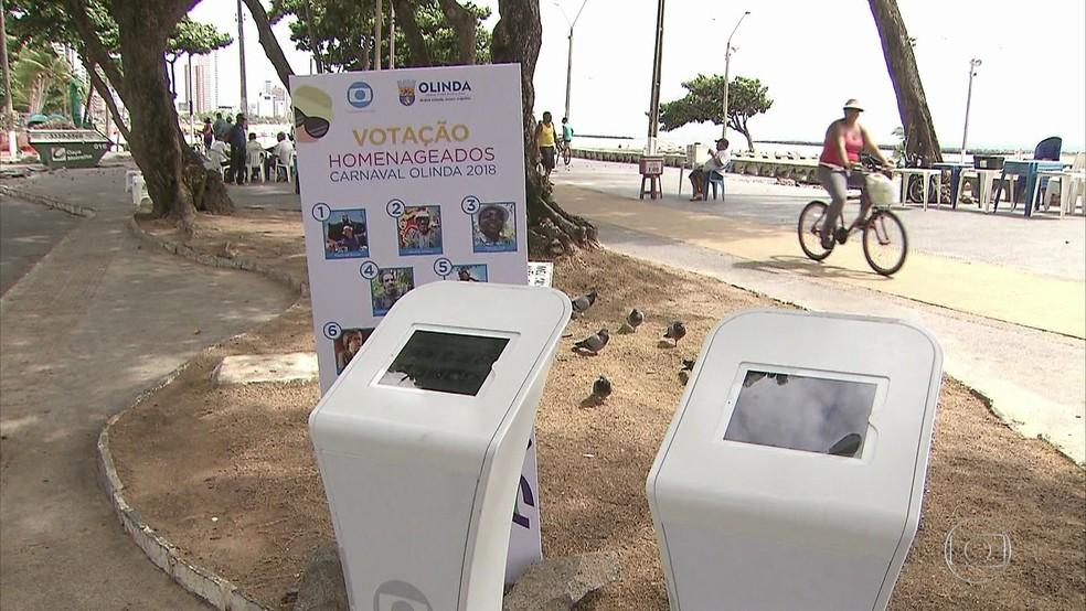 Ao todo, são duas urnas para a votação dos homenageados do carnaval 2018 de Olinda (Foto: Reprodução/TV Globo)