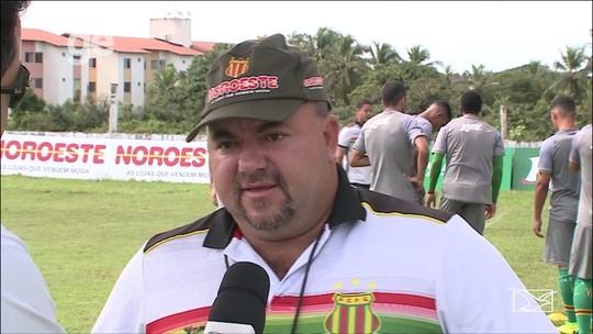 Julinho Camargo fala como fará escolha de time titular para estreia da Série C