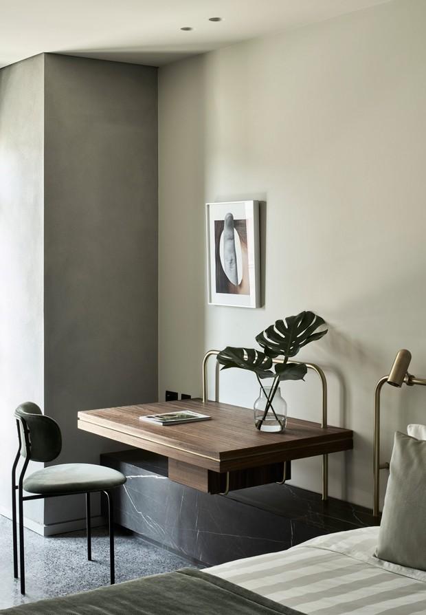 Décor do dia: quarto com pequeno home office e décor charmoso (Foto: Divulgação)