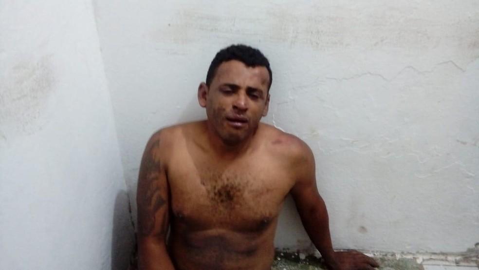 Maicon ficou todo machucado após ser agredido pelos amigos do jogador de futebol — Foto: G1 Santos