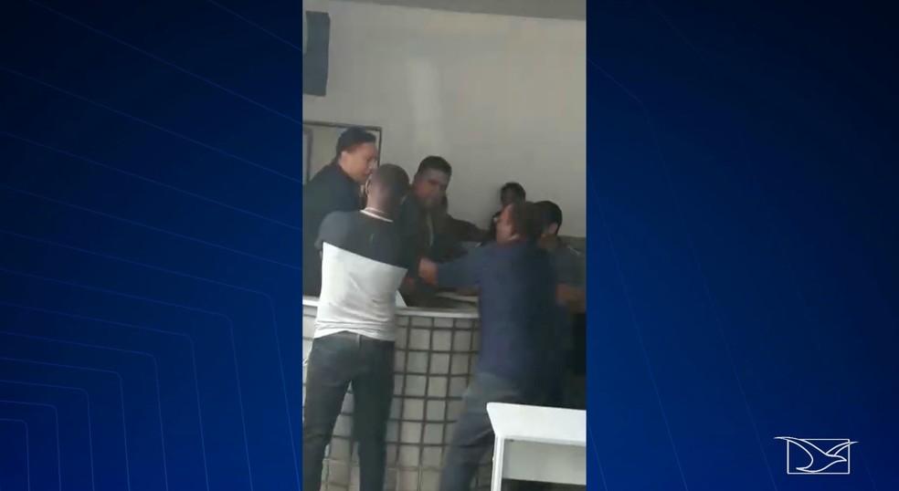 Eleição na Câmara de Vereadores de Igarapé do Meio termina em confusão — Foto: Reprodução/TV Mirante