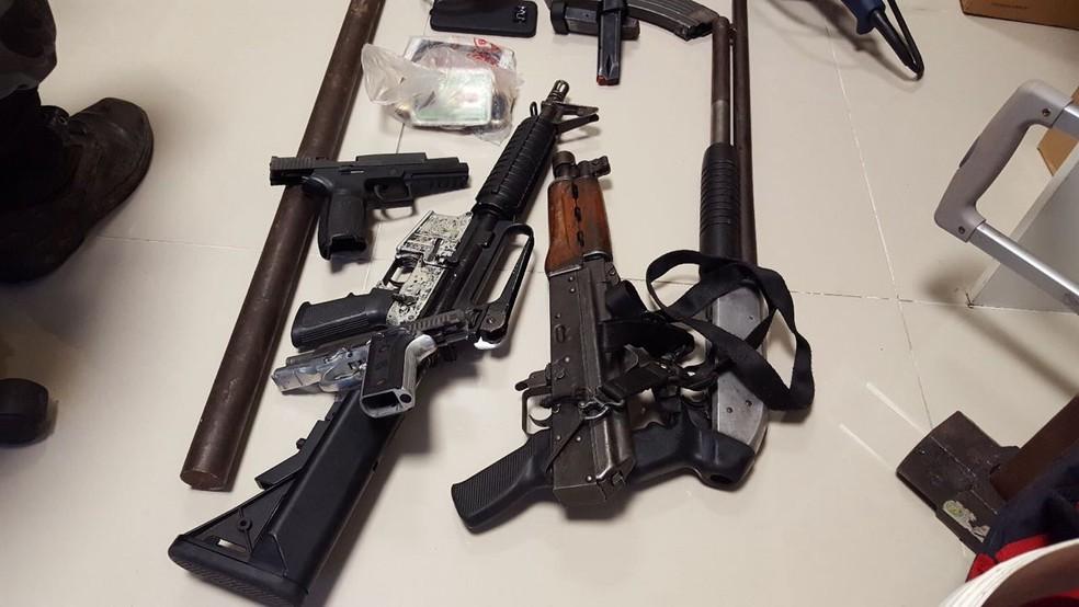Armas usadas no assalto foram apreendidas (Foto: Polícia Federal)