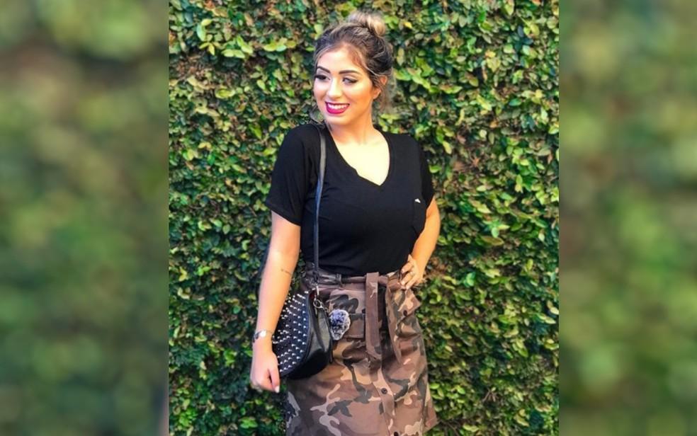 Ana Beatriz Mesquita, de 17 anos, é sucesso nas redes sociais falando sobre superar o preconceito, moda e beleza Catalão Goiás — Foto: Reprodução/Instagram