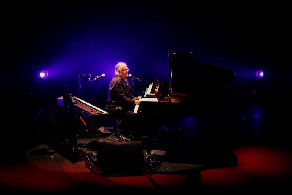 Guilherme Arantes cantarolou música do compositor irlandês Gilbert O' Sullivan — Foto: Divulgação Vivo Rio / Ricardo Nunes