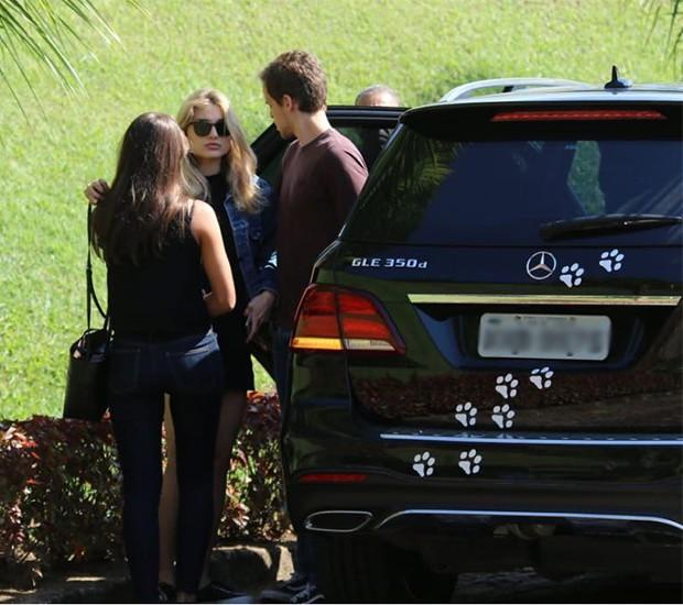 Sasha Meneghel chega ao velório de Alda Meneghel (Foto: Daniel Pinheiro/AgNews)